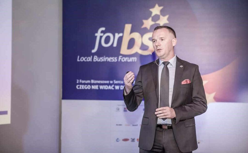 prezentacja na konferencji Forbs